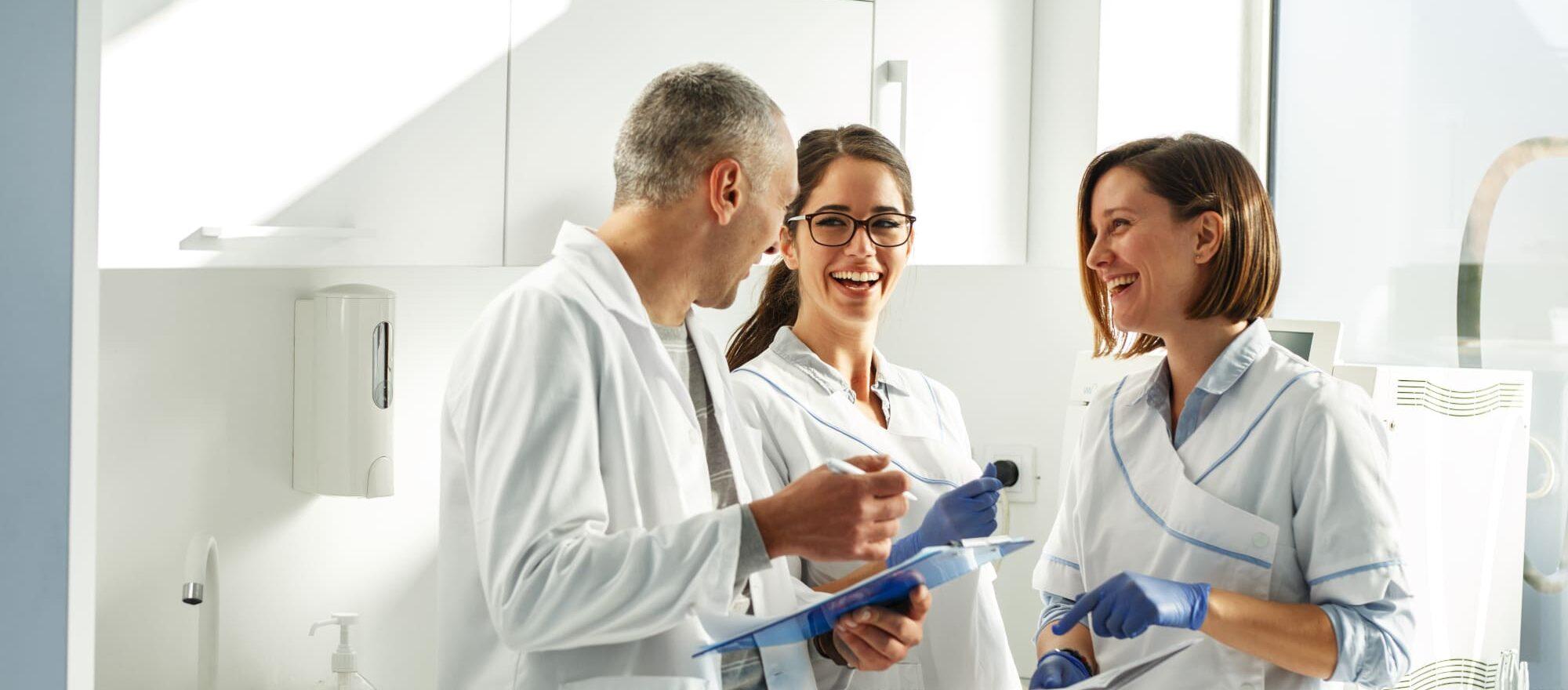 Experten-Blog-Bild-Erfolgreiche-Delegation-in-der-Zahnarztpraxis